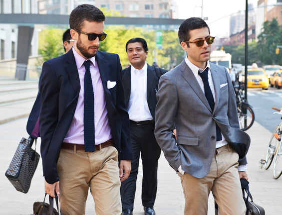 business-chinos-blazer-look