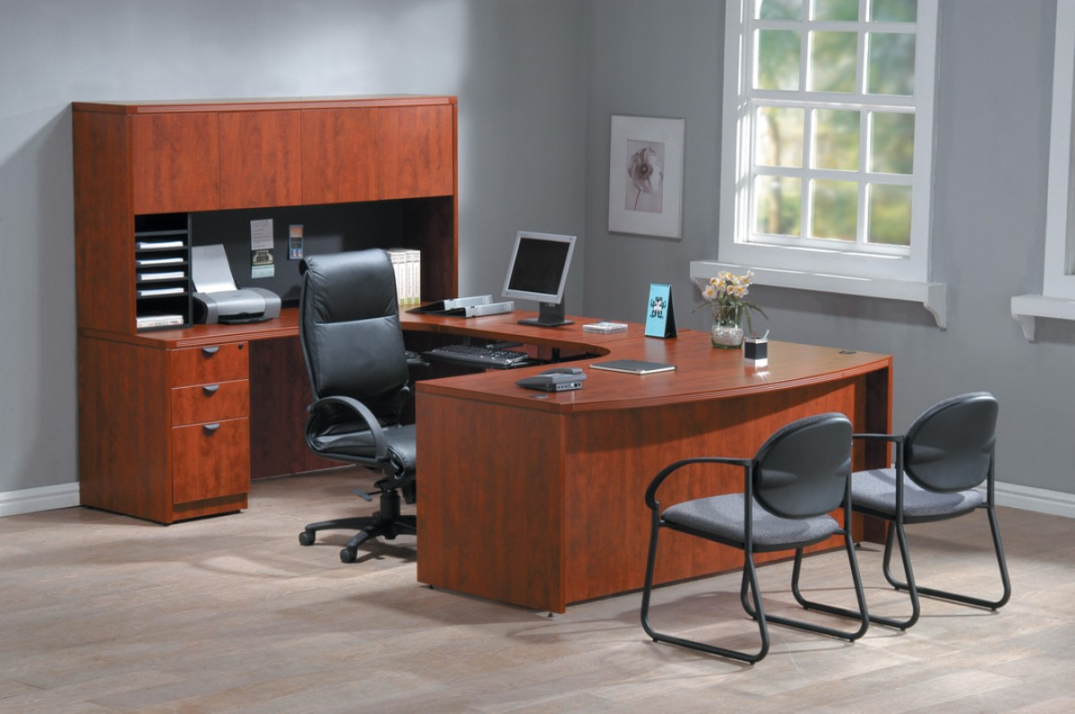 Modern office decorating ideas to create a welcoming for Office design ideas for business office