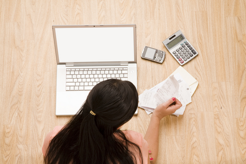 Online-Accounting-Courses-desk