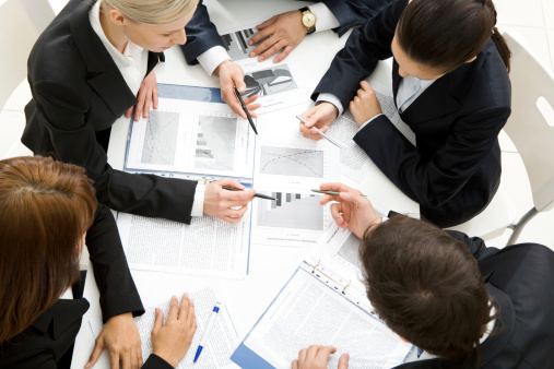 hire financial consultant