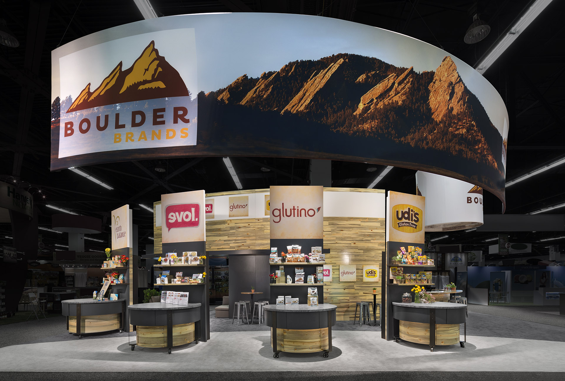 Exhibition Stand Trends 2018 : Tips to design tradeshow displays that wow event attendees